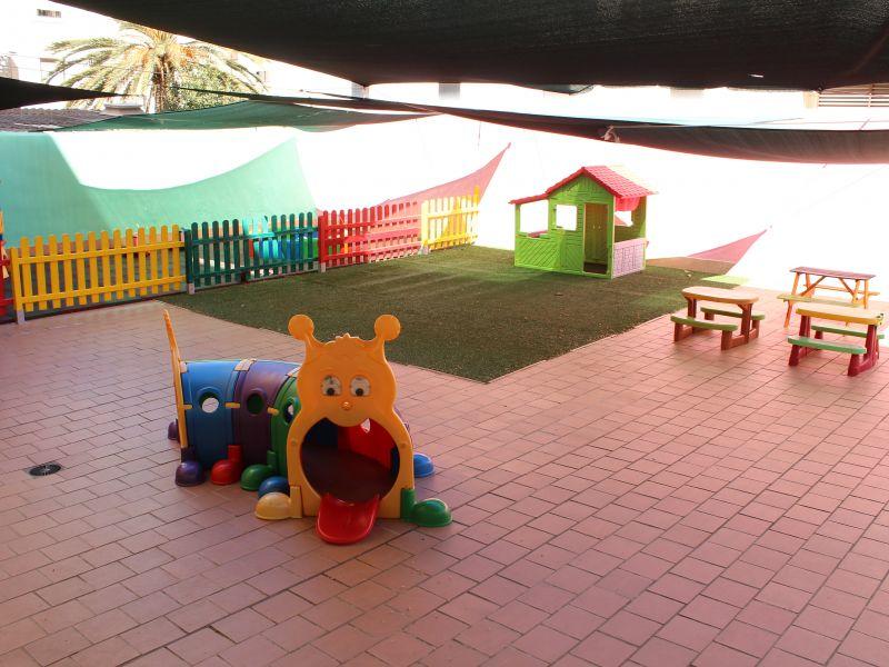 El patio!!!! 200 metros cuadrados!!!! Con huerto!!
