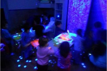 experimentant amb llum ultraviolada